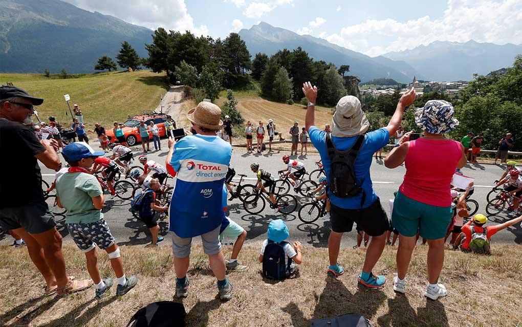 El Tour de Francia sigue en pie pese al coronavirus