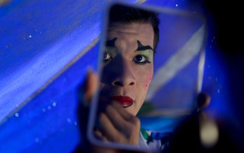 El coronavirus no mata la pasión por el circo en Bolivia
