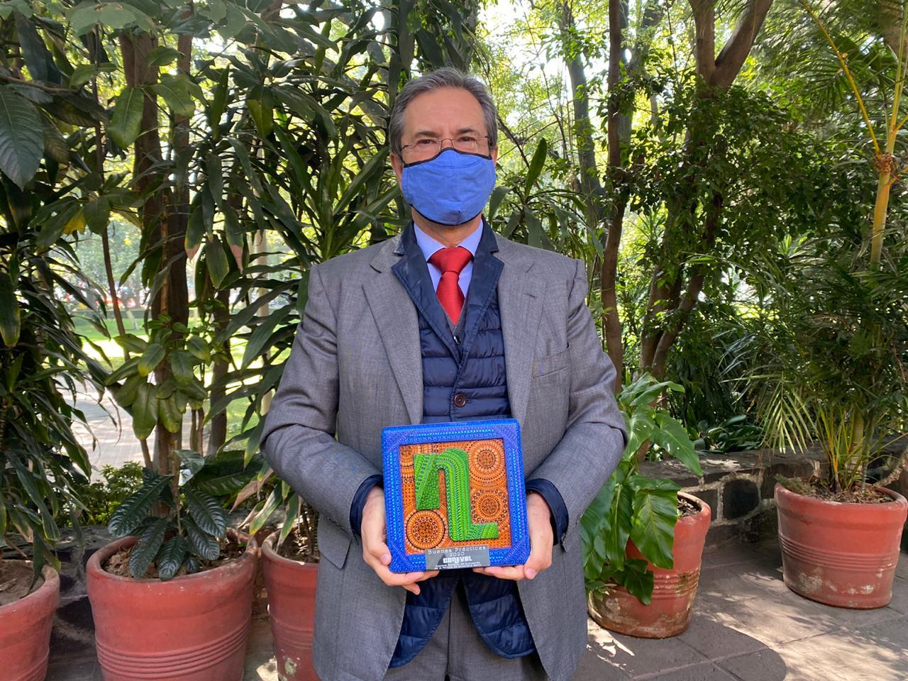 Esteban Moctezuma Barragán obtiene reconocimiento por esta modalidad educativa.