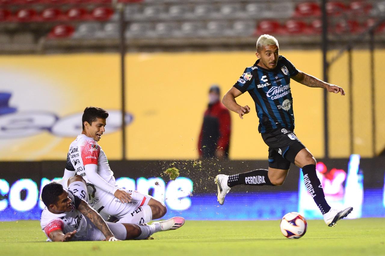 Querétaro gana un partido 'de seis puntos'